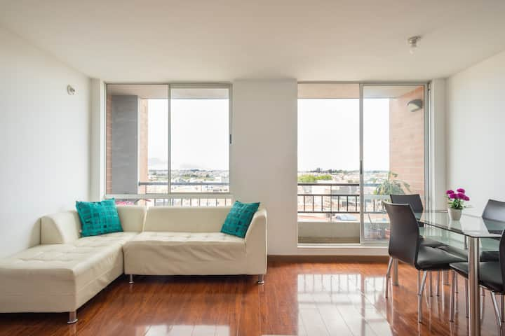 Level 10 floor apartment close to the  airport