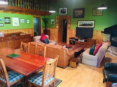 Barossa Loft Stay & Wood Oven Pizza Restaurant