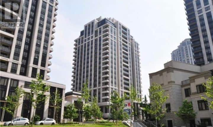 Luxury fully furnished 2+1 condo Yonge & Sheppard