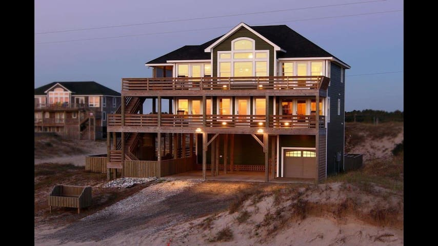 Ultimate Beach Vacation - Corolla - House