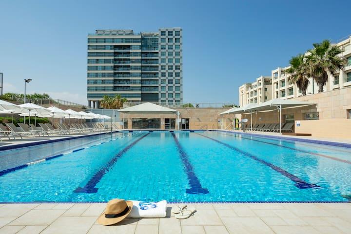 Aparthotel Okeanos ★ 1 BR Balcony Apt. Sea View ★