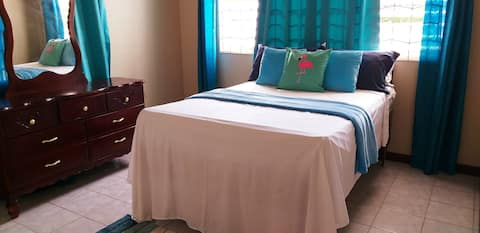 """A Jamaican Hideaway"" Family home, sleeps 4"