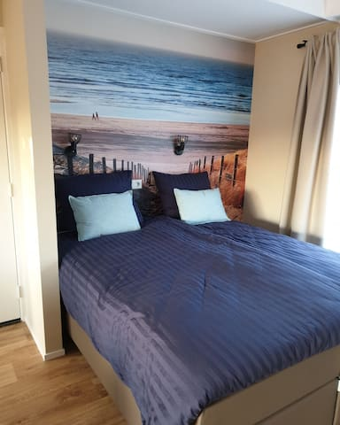 Deze twee bedden kunnen als een bed maar ook als twee eenspersoonsbedden separaat opgemaakt worden.