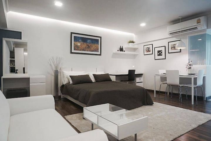 Cozy condo in Sathorn area