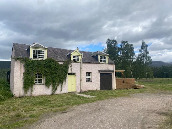 Little Clunie Cottage, Braemar