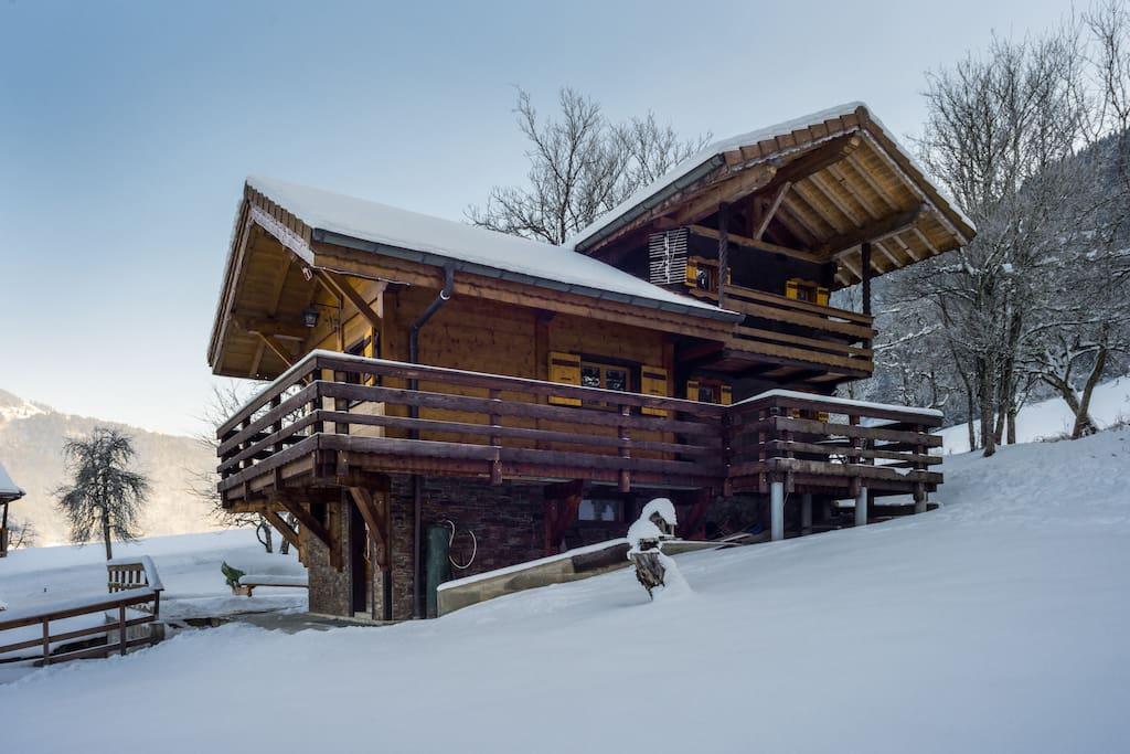 Chalet en hivers / Chalet during winter