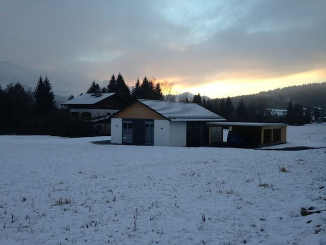 Sonniges Ferienhaus am Pressegger See mit Seeblick - Hermagor