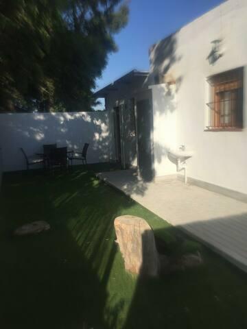 Casa en Playa El Palmar a 100 m. del mar.