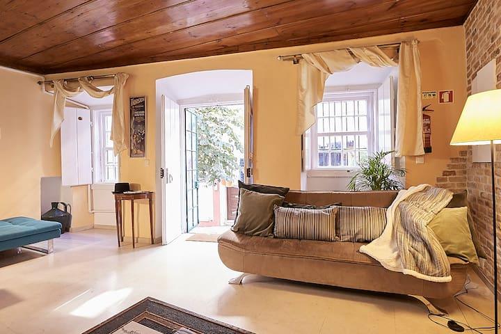 Tile House Chiado/Bairro Alto - wood, magic&marble
