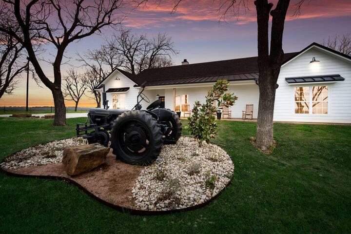 Tallulah Ann's Farmhouse