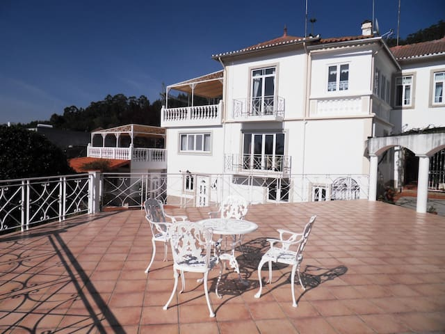 Holiday Mansion in Portugal - Apt 2 - Branca , Albergaria-A-Velha - Byt