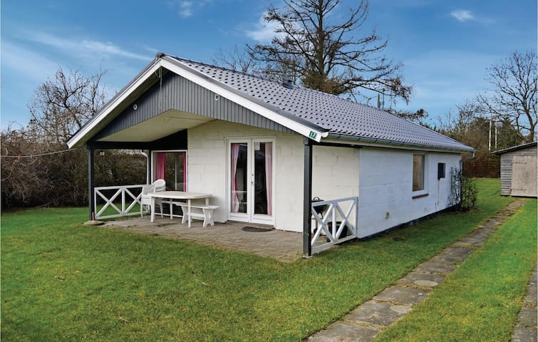 Holiday cottage with 2 bedrooms on 57 m² in Odder
