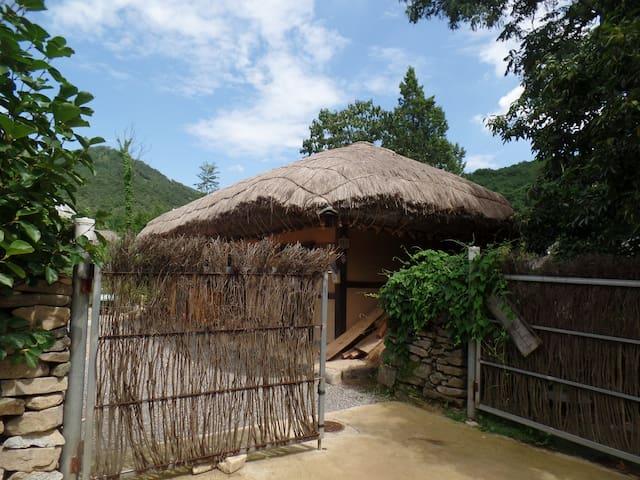 병사댁, 외암마을의 사랑채 농가민박 - Songak-myeon, Asan-si - Talo