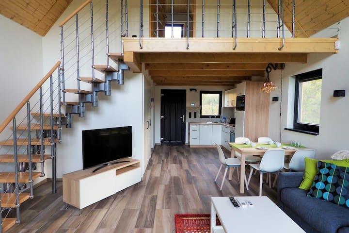 Feljárat a hálóba / Stairs to the bedroom