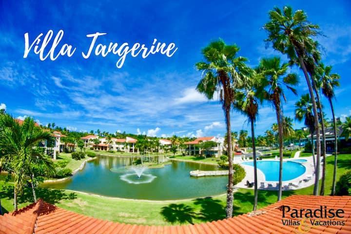 3BR Villa Tangerine -  Beachfront community w/pool