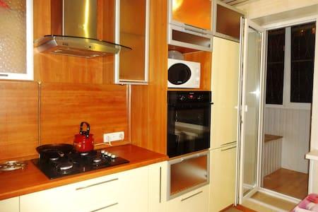 Уютная 2х-комнатная квартира - Volgograd