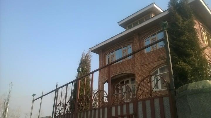 """""""Valley Heritage"""" resort, Srinagar"""