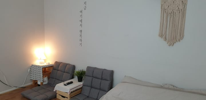 Cozy room near Suncheon KTX Stn.