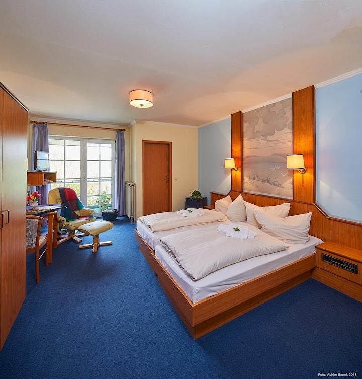 Doppelzimmer mit Balkon inkl. Frühstück im Hotel