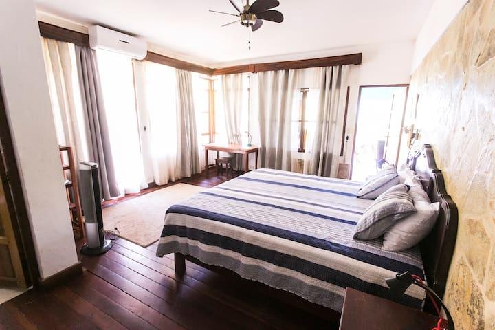 Habitación principal // Main Room
