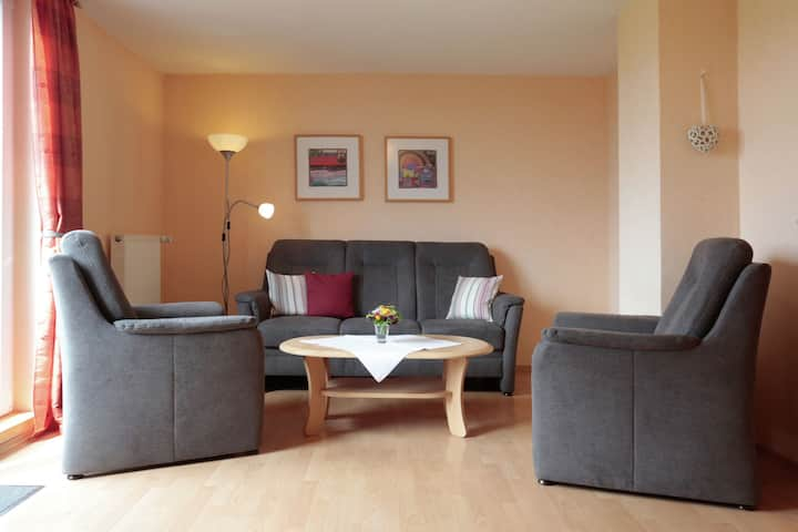 Cozy Apartment with Garden in Düdinghausen