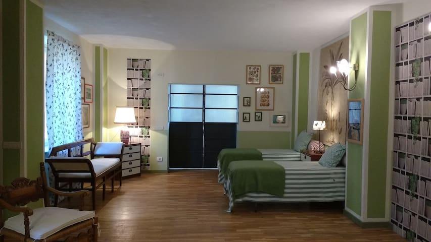 Grande Suite Famiglia - Montafia - Bed & Breakfast