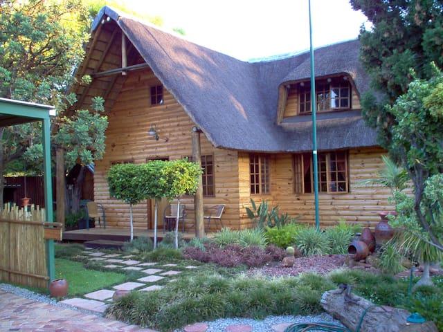 Flora chalet - at CIARA lodge