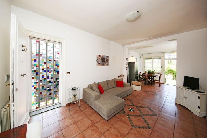Rome Comfy Cozy House with Garden