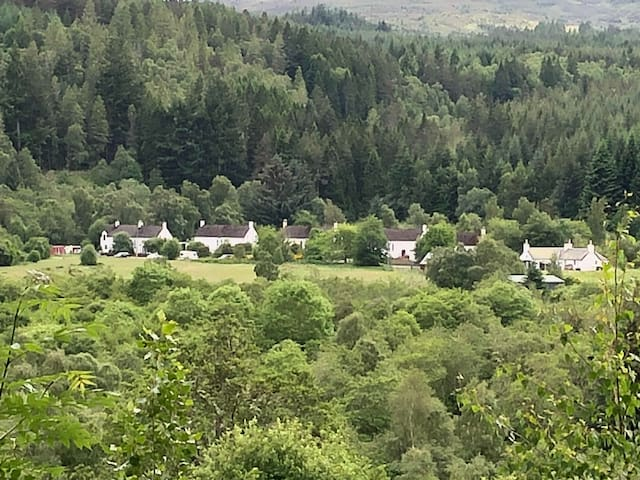 Peaceful Forestry Hamlet, Drumnadrochit, Loch Ness
