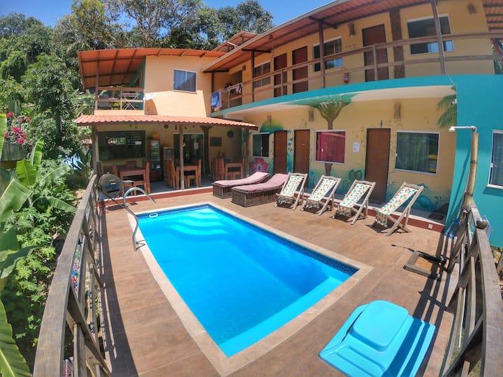 Suite DELUXE para 3 em lindo hostel! M