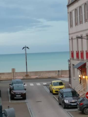 Appartement au 1 er Étage avec Balcon Vue Mer