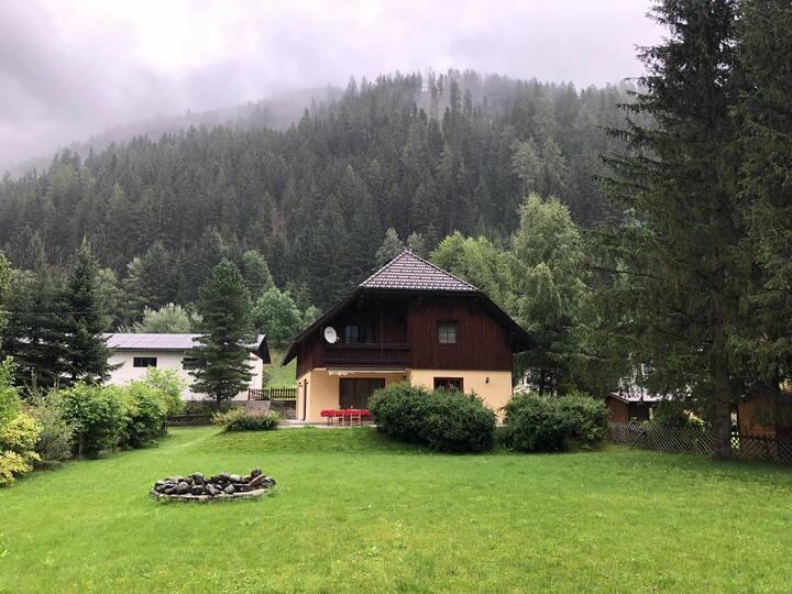 Villa Immersa nel Verde a Pätergassen