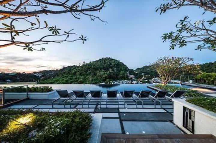 Luxury Room / Roof Top pool / Phuket Town #H334