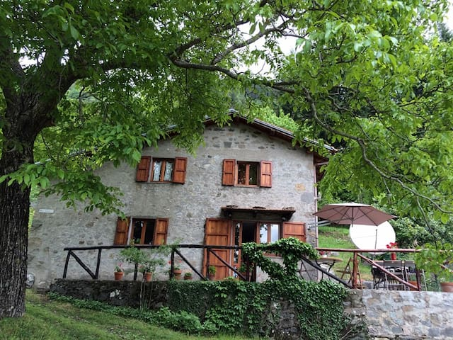 Mountain house in nature park - Bagni di Lucca - Rumah