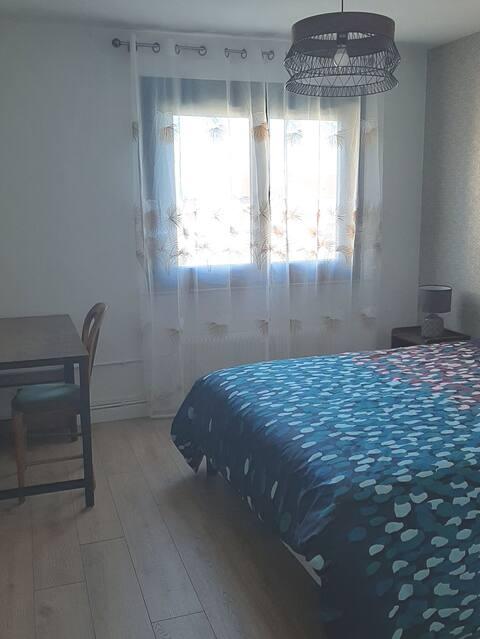 Belle chambre spacieuse proche de Genève.