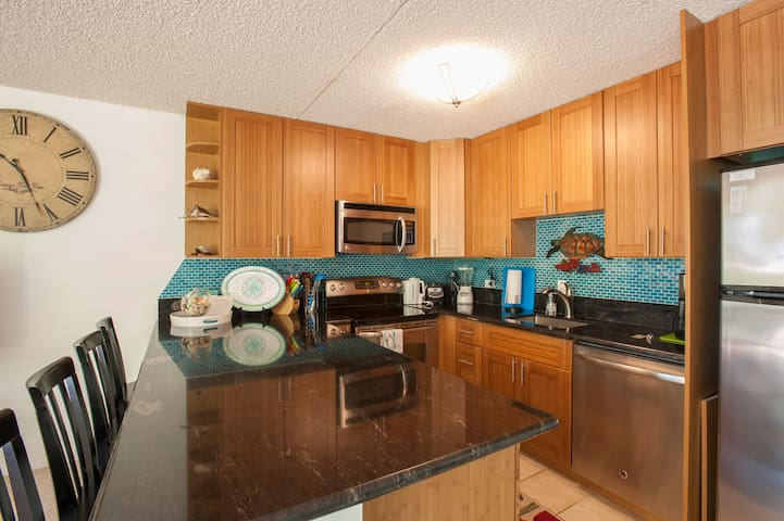 Great condo updated throughout, 100 Steps to beach