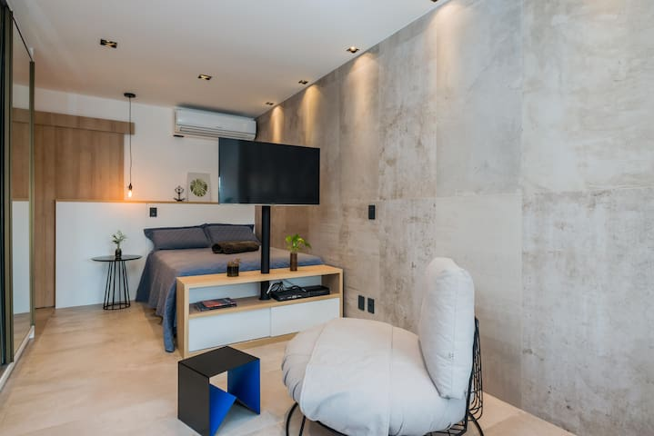 Beautiful and Well Located Studio in Vila Olímpia