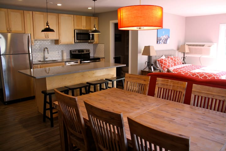 Killington Suites: 2 BR Resort Suite Close to Mtn! - Killington - Apto. en complejo residencial