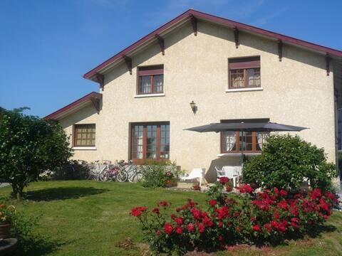 Gîte de 90 m² dans la campagne Chalossaise Landes