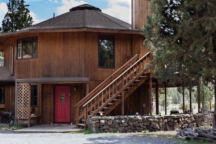 Riverside RoundHouse with Cascade Mountain Views - Redmond - Rumah