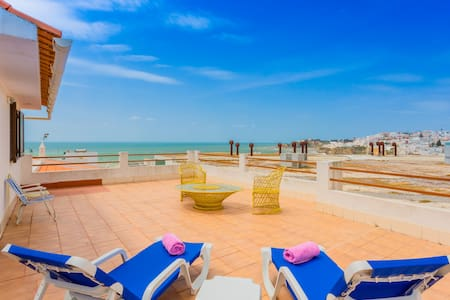 ★Beach Studio★ Giant Terrace ★ Perfect for couples