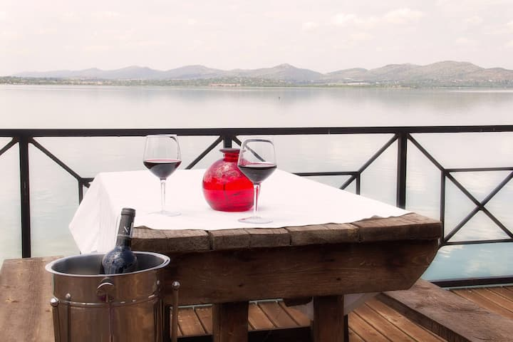 La Lavende. On the water. Kosmos Hartbeespoort dam