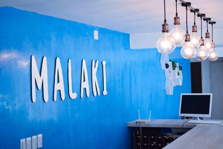 Habitacion doble en barrio colombia en hotel