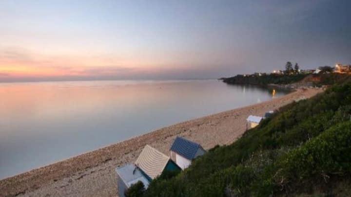 Beautiful little beach cottage