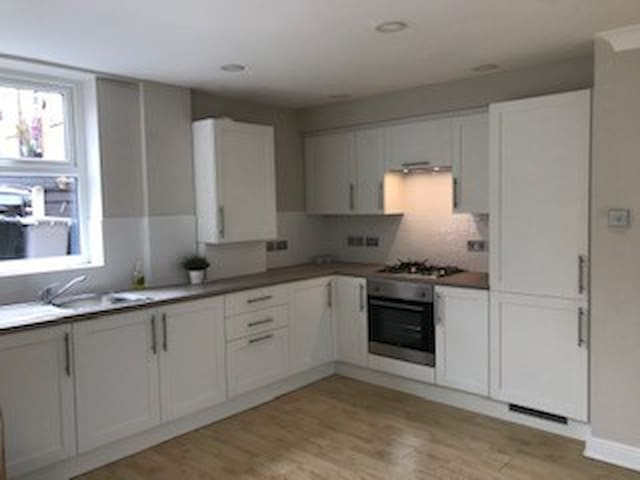 Large newly refurbed  flat close to town centre