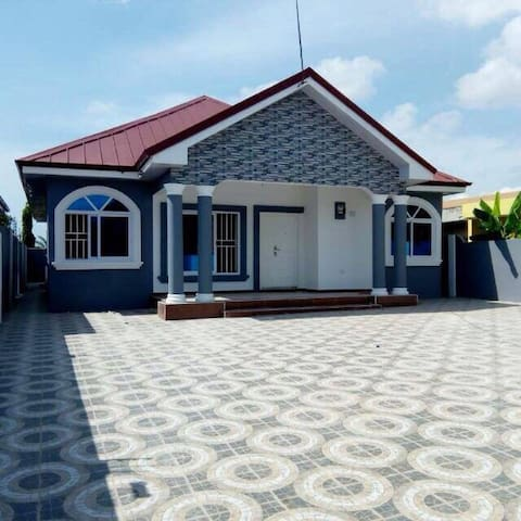 3 BEDROOM SELF COMPOUND FOR SALE @ SPINTEX NUNGUA
