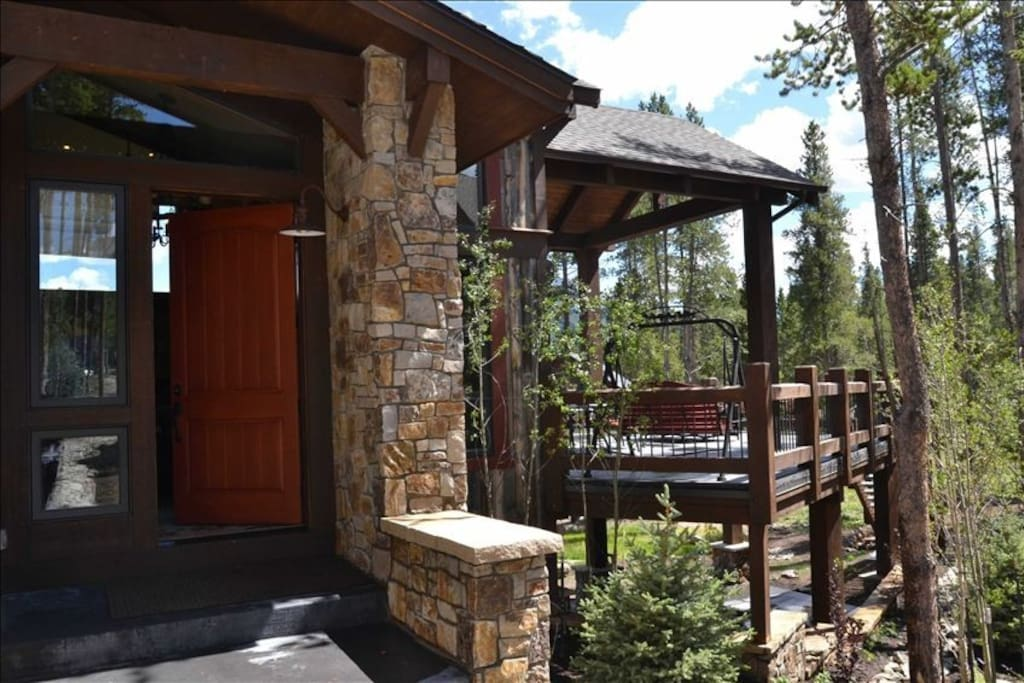 Huge deck, 72 inch; stainless grill, opens to hiking, biking, southern exposure