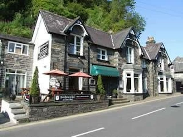 Bistro Betws apartment, Betws-y-coed