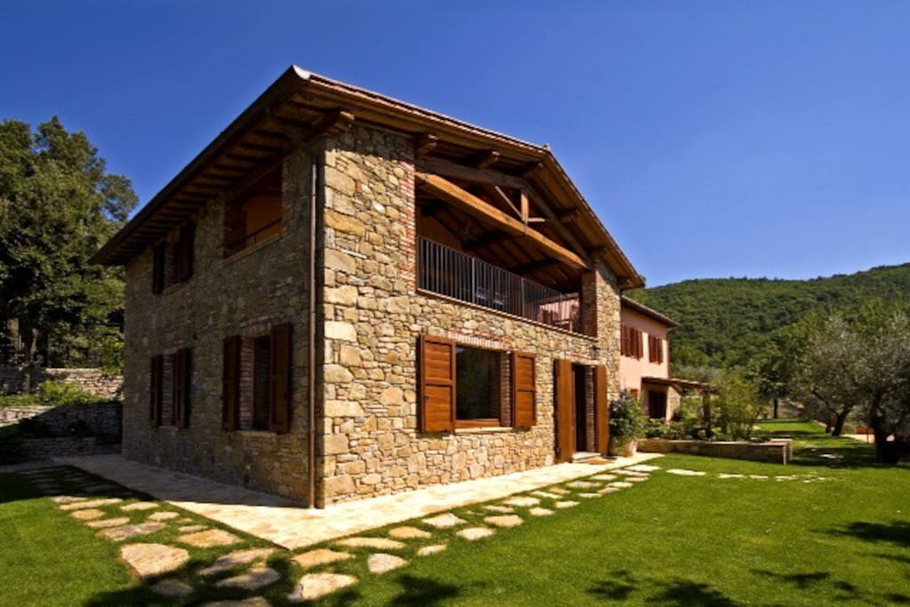Luxury 3 bedroom villa in the Umbrian countryside