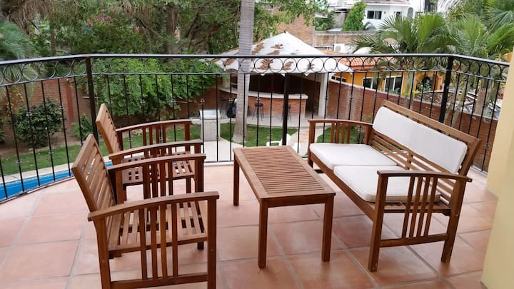 Riverway - Large roomy apartment with a nice patio